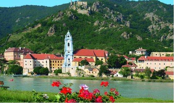 Круизи Дунавско вълшебство, Дунавска мечта и Дунавска песен, Речни круизи